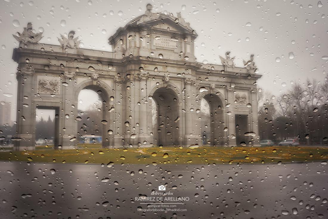 _DSC6160 Madrid lluvia Puerta de Alcalá